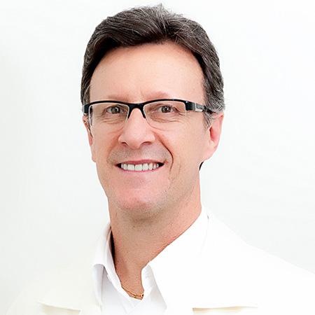 Dr. Marcos Ruzzarin